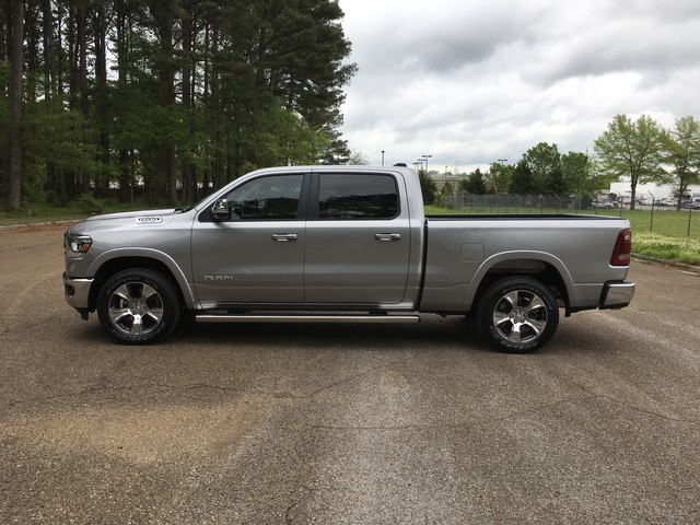 2019 Ram 1500 Crew Cab 4x4, Pickup #KN538836 - photo 4