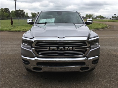 2019 Ram 1500 Crew Cab 4x4, Pickup #KN538836 - photo 3