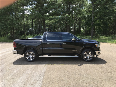 2019 Ram 1500 Crew Cab 4x4,  Pickup #KN549983 - photo 5
