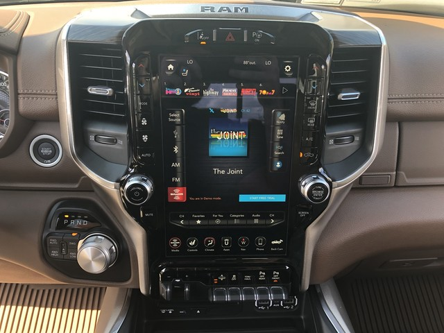 2019 Ram 1500 Crew Cab 4x4,  Pickup #KN549985 - photo 17