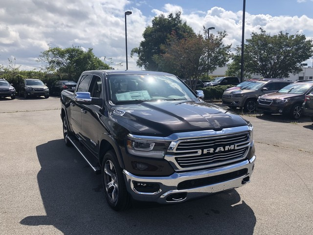 2019 Ram 1500 Crew Cab 4x4,  Pickup #KN549985 - photo 3
