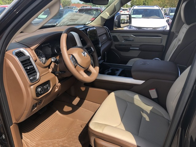 2019 Ram 1500 Crew Cab 4x4,  Pickup #KN549985 - photo 8