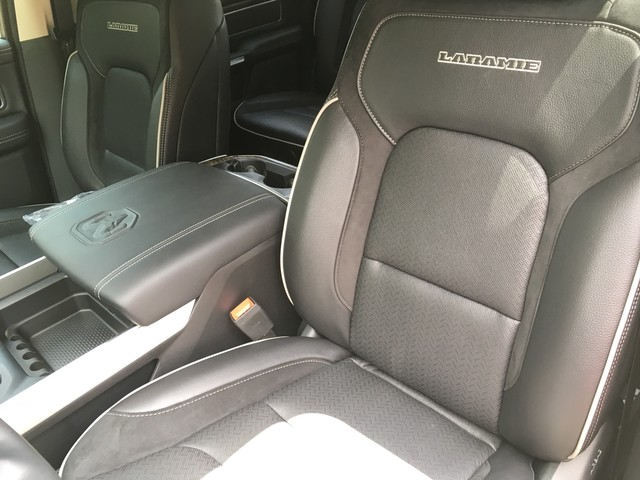 2019 Ram 1500 Crew Cab 4x4,  Pickup #KN555288 - photo 8