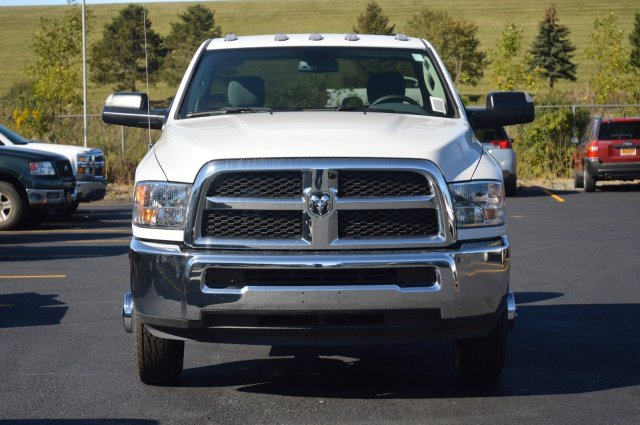 2018 Ram 3500 Regular Cab DRW 4x4 Cab Chassis #80128 - photo 3