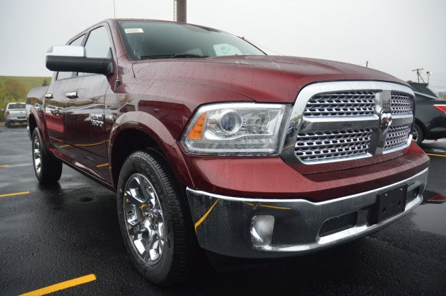 2018 Ram 1500 Crew Cab 4x4 Pickup #80158 - photo 4