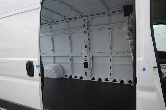 2018 ProMaster 2500 High Roof FWD,  Empty Cargo Van #81317 - photo 8
