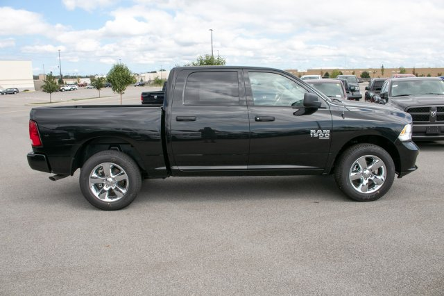 2019 Ram 1500 Crew Cab 4x4,  Pickup #90292 - photo 10
