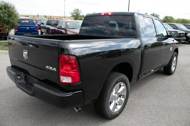 2019 Ram 1500 Crew Cab 4x4,  Pickup #90292 - photo 9