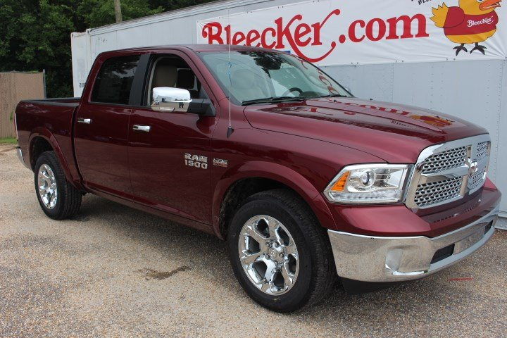 2017 Ram 1500 Crew Cab 4x4 Pickup #C17298 - photo 3