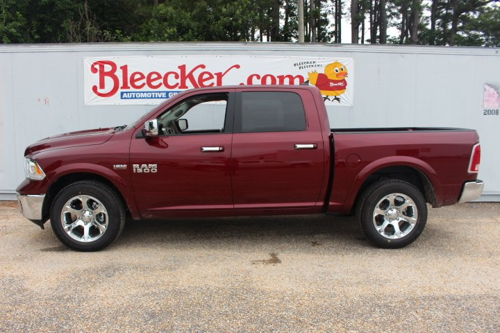 2017 Ram 1500 Crew Cab 4x4 Pickup #C17298 - photo 5