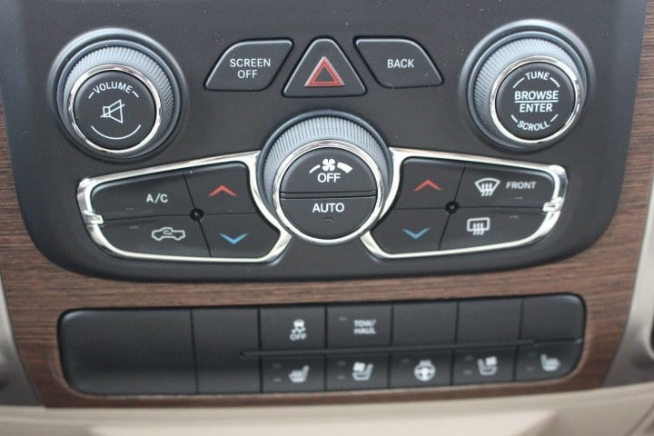 2017 Ram 1500 Crew Cab 4x4 Pickup #C17298 - photo 22