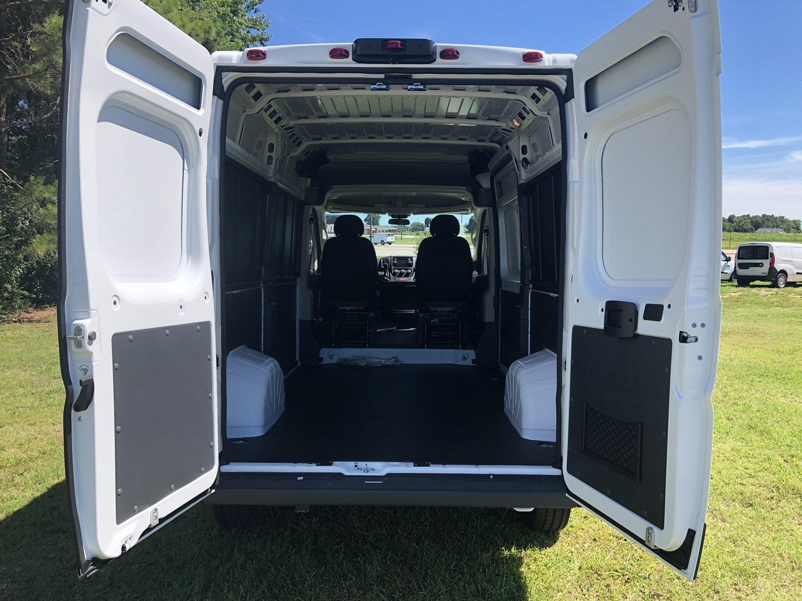 2018 ProMaster 1500 High Roof FWD,  Empty Cargo Van #C18336 - photo 2