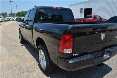 2018 Ram 1500 Crew Cab 4x4,  Pickup #C18352 - photo 5