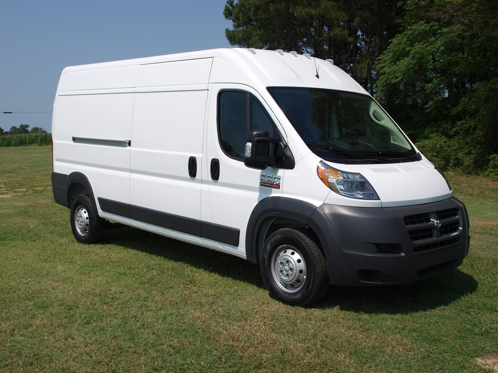 2018 ProMaster 2500 High Roof FWD,  Empty Cargo Van #C18374 - photo 3