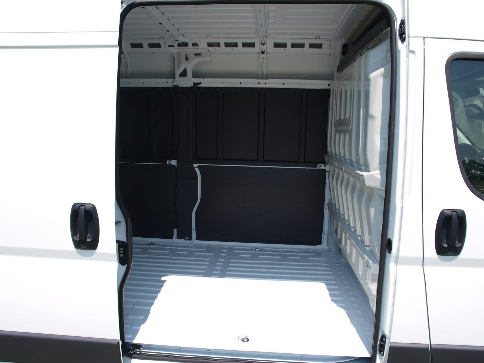 2018 ProMaster 2500 High Roof FWD,  Empty Cargo Van #C18374 - photo 14