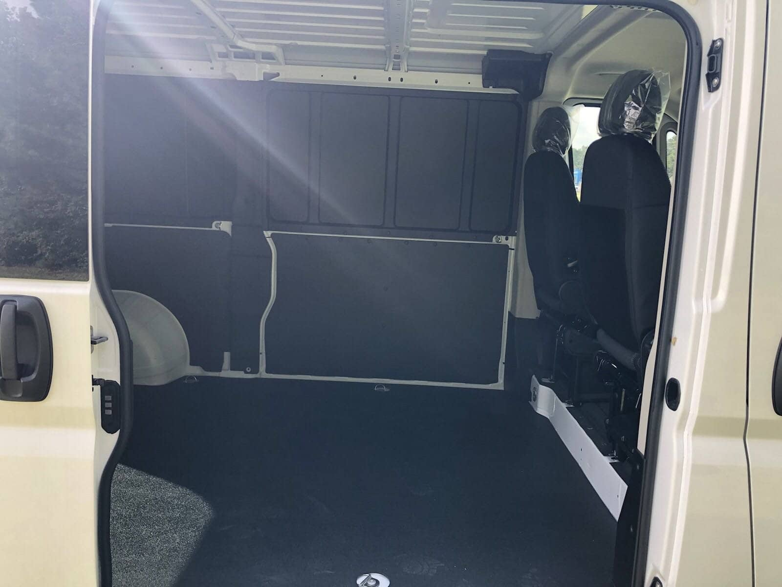 2018 ProMaster 1500 Standard Roof FWD,  Empty Cargo Van #C18406 - photo 16