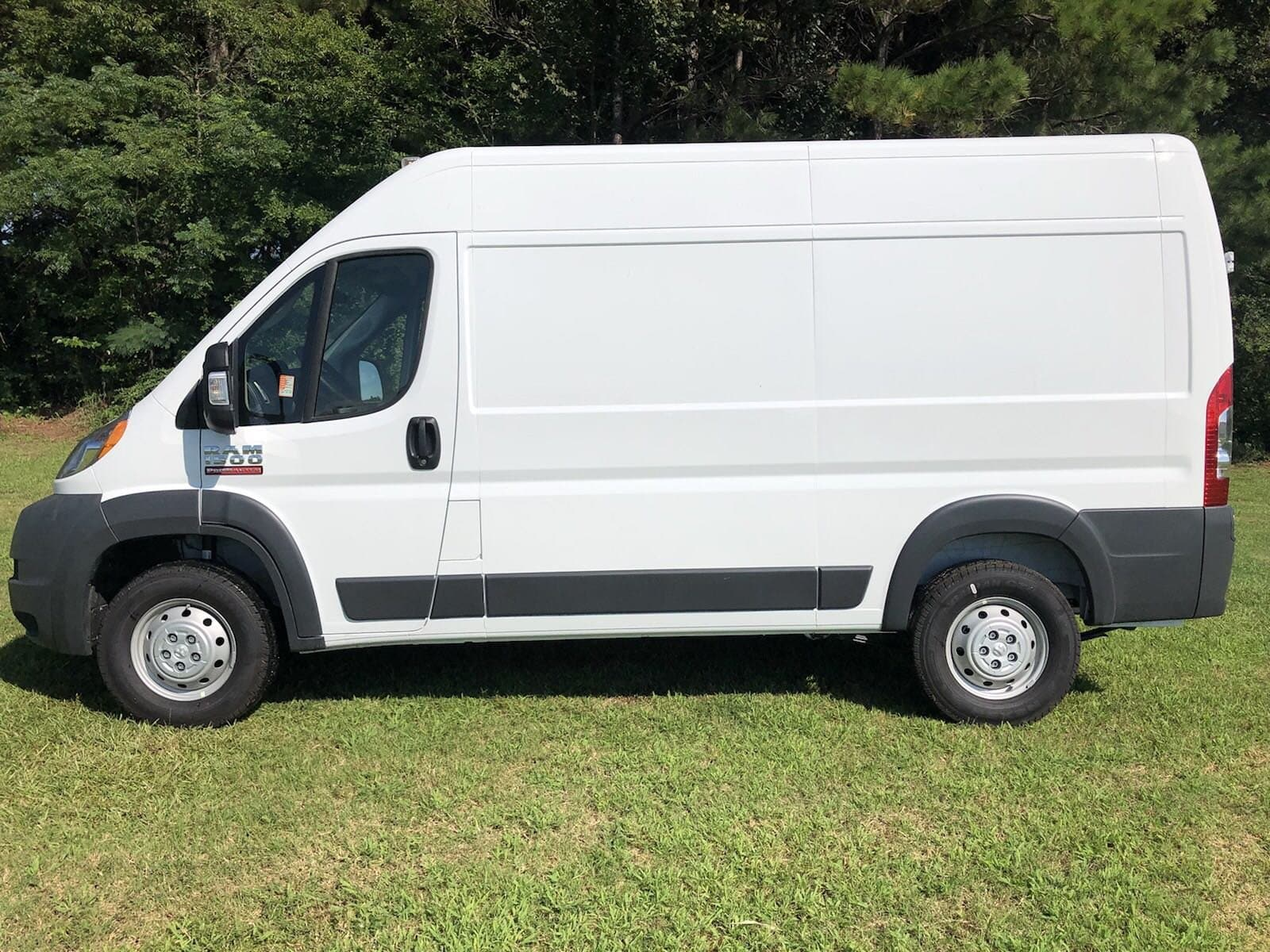 2018 ProMaster 1500 High Roof FWD,  Empty Cargo Van #C18437 - photo 5