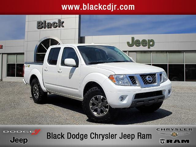 2015 Nissan Frontier 4x4, Pickup #726122 - photo 1