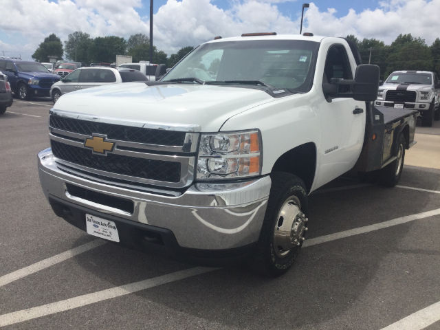 2012 Silverado 3500 Regular Cab 4x4 Platform Body #24747C - photo 3