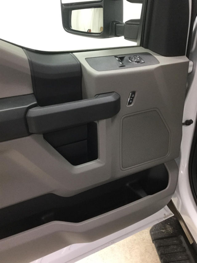 2017 F-350 Regular Cab DRW 4x4 Cab Chassis #26301 - photo 10
