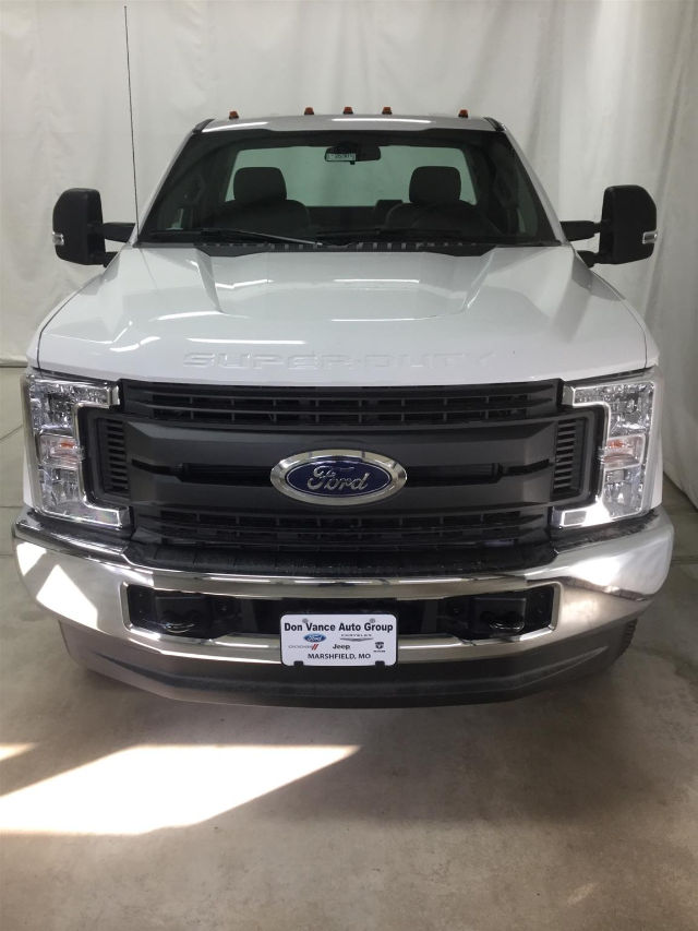 2017 F-350 Regular Cab DRW 4x4 Cab Chassis #26301 - photo 4