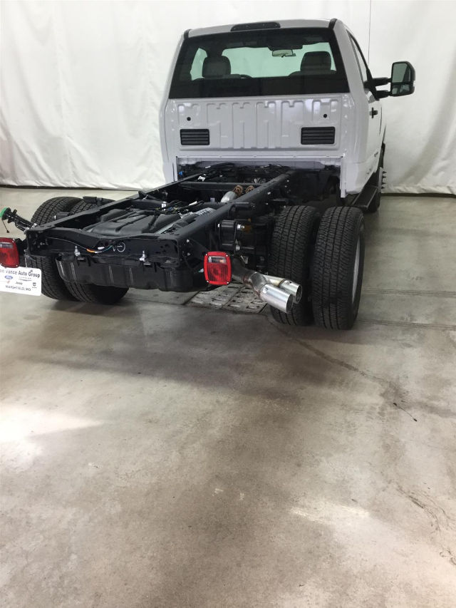 2017 F-350 Regular Cab DRW 4x4, Cab Chassis #26301 - photo 6
