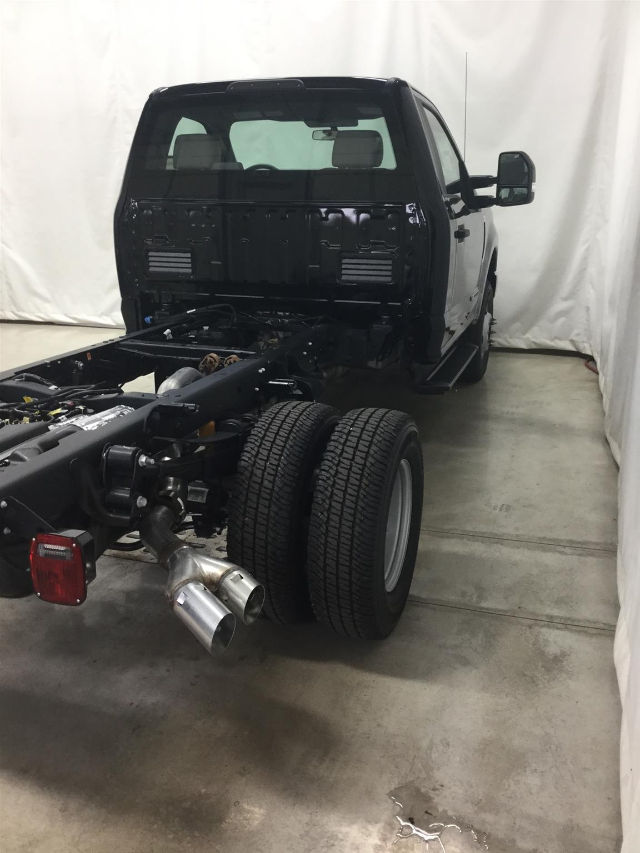 2017 F-350 Regular Cab DRW 4x4 Cab Chassis #26317 - photo 6