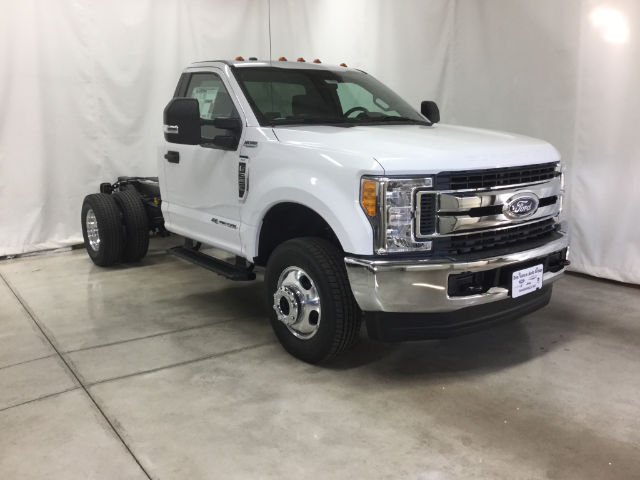 2017 F-350 Regular Cab DRW 4x4 Cab Chassis #26356 - photo 4