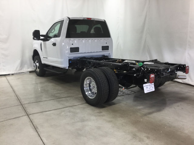 2017 F-350 Regular Cab DRW 4x4 Cab Chassis #26356 - photo 2