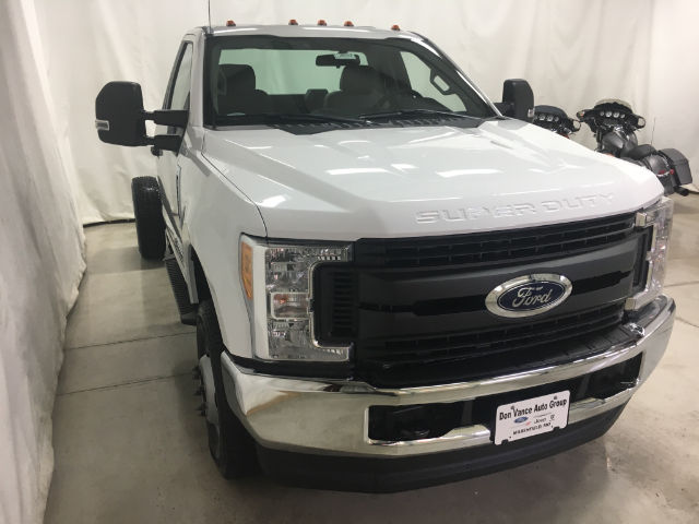 2017 F-350 Regular Cab DRW 4x4 Cab Chassis #26427 - photo 5