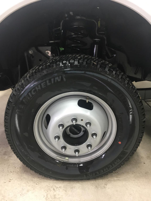 2017 F-350 Regular Cab DRW 4x4 Cab Chassis #26427 - photo 6