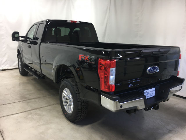 2017 F-250 Super Cab 4x4 Pickup #26506 - photo 9