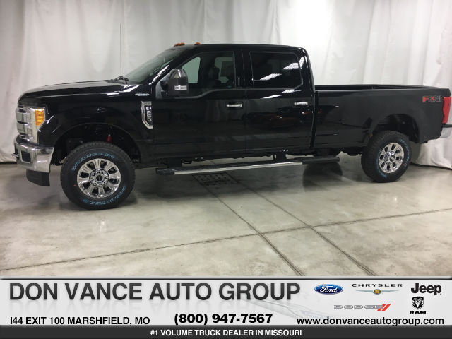 2017 F-250 Crew Cab 4x4, Pickup #26773 - photo 1