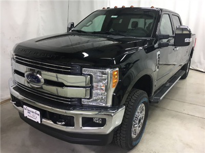 2017 F-250 Crew Cab 4x4, Pickup #26773 - photo 3