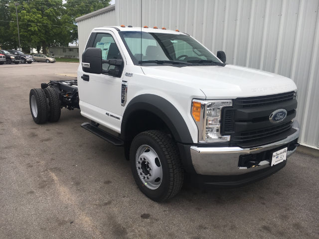 2017 F-550 Regular Cab DRW 4x4 Cab Chassis #27114 - photo 3