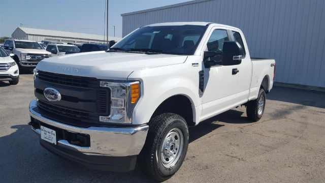 2017 F-250 Super Cab 4x4 Pickup #27820 - photo 3