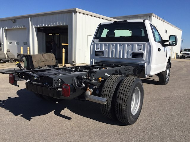 2018 F-350 Regular Cab DRW 4x4, Cab Chassis #28310 - photo 7