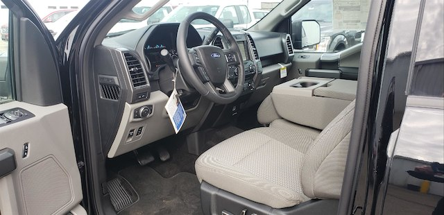 2018 F-150 SuperCrew Cab 4x4,  Pickup #28389 - photo 37