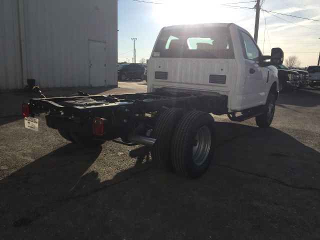 2018 F-350 Regular Cab DRW 4x4, Cab Chassis #28427 - photo 7