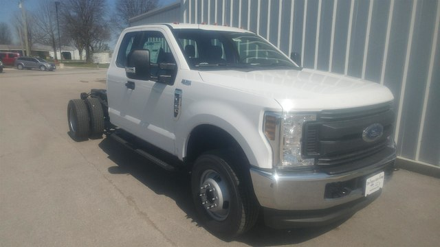 2018 F-350 Super Cab DRW 4x4, Cab Chassis #28452 - photo 3