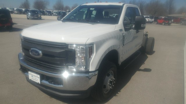 2018 F-350 Super Cab DRW 4x4, Cab Chassis #28452 - photo 5