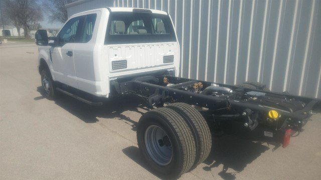 2018 F-350 Super Cab DRW 4x4,  Cab Chassis #28452 - photo 7