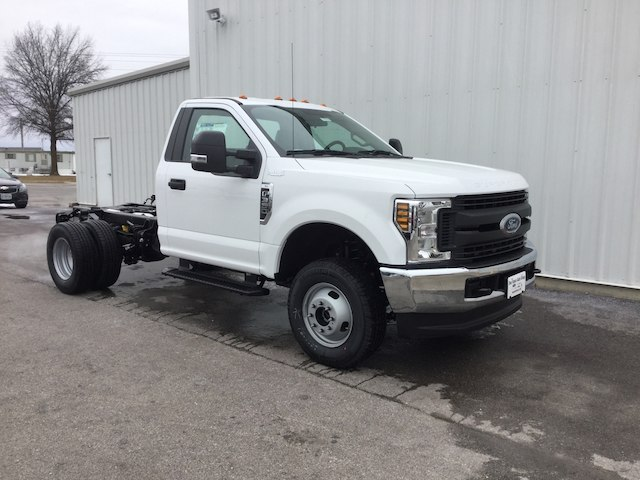 2018 F-350 Regular Cab DRW 4x4, Cab Chassis #28453 - photo 3