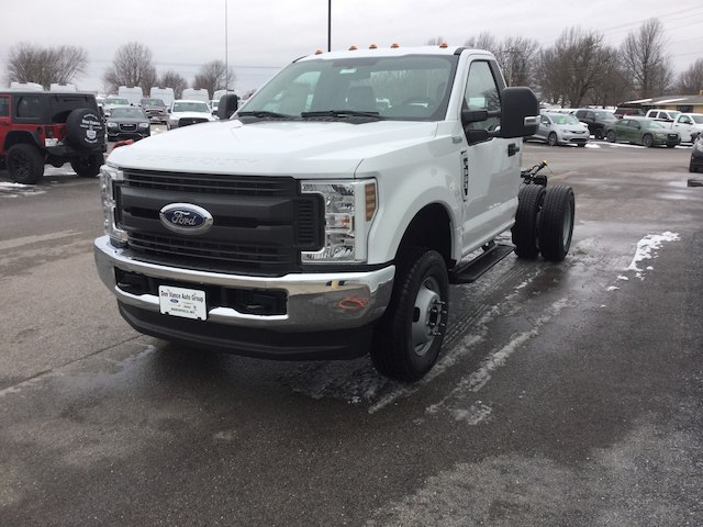 2018 F-350 Regular Cab DRW 4x4, Cab Chassis #28453 - photo 5