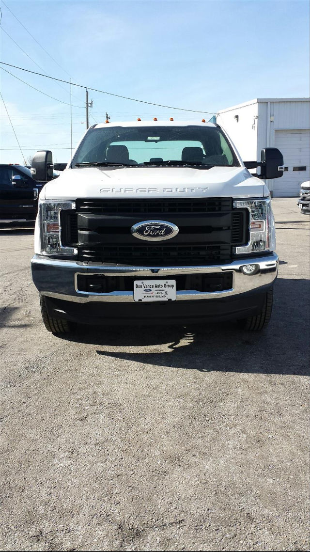 2018 F-350 Super Cab DRW 4x4, Cab Chassis #28509 - photo 4