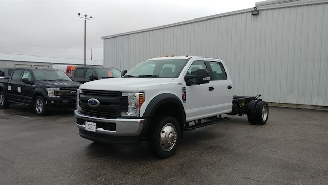 2018 F-450 Crew Cab DRW 4x4,  Cab Chassis #28579 - photo 3