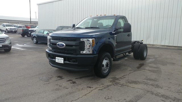 2018 F-350 Regular Cab DRW 4x4,  Cab Chassis #28634 - photo 3