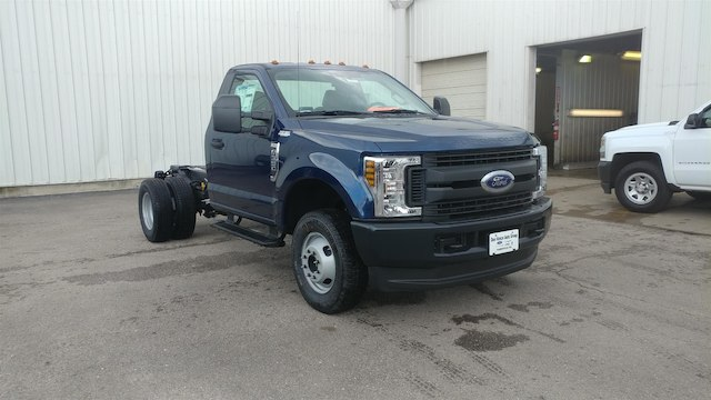 2018 F-350 Regular Cab DRW 4x4,  Cab Chassis #28634 - photo 5