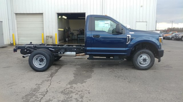 2018 F-350 Regular Cab DRW 4x4,  Cab Chassis #28634 - photo 6
