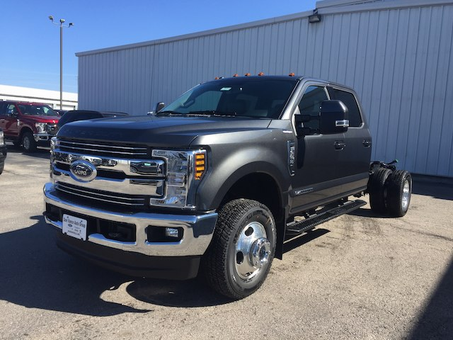 2018 F-350 Crew Cab DRW 4x4,  Cab Chassis #28663 - photo 3